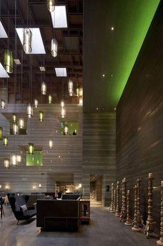 plafond lumineux, lampes pendantes et spot de plafond, décoration d'espace sensationnelle