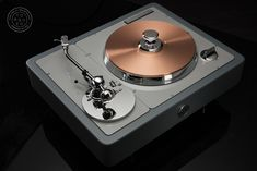 Audiophile Turntable, High End Turntables, High End Hifi, Lectures, House Design, Cool Stuff, Board, Silver, Vintage