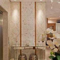 Pasillo, hall y escaleras de estilo  por Mariane e Marilda Baptista - Arquitetura & Interiores