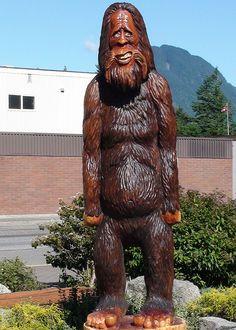 Hope British Columbia: Sasquatch Harry Carving by Karen Morton's Pics, via Flickr. www.HopeBC.ca Chainsaw Carvings, Wood Carvings, British Columbia, Wood Art, Places Ive Been, Lion Sculpture, Statue, Bigfoot, Trees