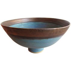 I think this bowl is unique because it has a tiny foot compared to how large the bowl actually is. I also like how the bowl is painted.