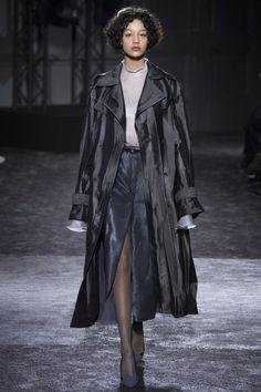 Nina Ricci Fall 2016 Ready-to-Wear, http://mmoda.net/nina-ricci-fall-2016-ready-to-wear/,  #2016 #AdrienneJuliger #AliceMetza #AmalieMoosgaard #CamilleHurel #DamarisGoddrie #DashaKhlystun #EstellaBoersma #fall #GretaVarlese #HarlethKuusik #HeriethPaul #ImaanHammam #IneNeefs #IrinaDjuranovic #IssaLish #JingWen #JuliaRatner #JulieHoomans #KikiWillems #KirinDejonckheere #LiaPavlova #LineBrems #LineisyMontero #MaartjeVerhoef #MaliKoopman...