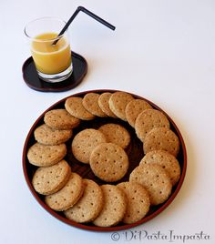 Digestive biscuits home-made Sweet Recipes, Dog Food Recipes, Cookie Recipes, Beignets, Biscuit Home, Pancake Muffins, Biscotti Cookies, Digestive Biscuits, English Food