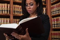 Should You Become a Paralegal or a Lawyer?