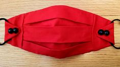 masque rouge ajustable Easy Face Masks, Homemade Face Masks, Diy Face Mask, Blog Couture, Diy Couture, Sewing Hacks, Sewing Tutorials, Sewing Diy, Sewing Rooms