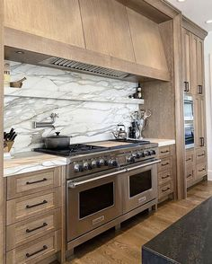 Custom Home Builders, Custom Homes, Kitchen Backsplash, Kitchen Cabinets, Wood Cabinets, Cupboards, Kitchen Dining, Kitchen Decor, Kitchen Ideas