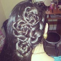 rosas hechas con cabello
