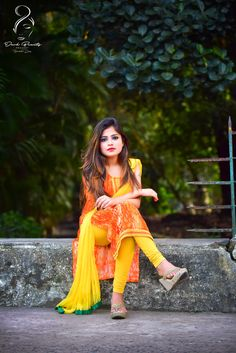 Beautiful Girl Photo, Cute Girl Photo, Beautiful Girl Indian, Stylish Dresses For Girls, Stylish Girls Photos, Ladies Dresses, Indian Fashion Dresses, Pakistani Dresses, Ladies Kurti Design