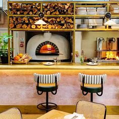 Gozney oven at Wild By Tart, London. Pioneering design, engineered for performance. Gozney ovens are trusted by some of the world's best chefs. Architecture Restaurant, Restaurant Interior Design, Oven Design, Kitchen Design, Commercial Pizza Oven, Greenhouse Kitchen, Pizzeria Design, Pasta Restaurants, Pizza Hut