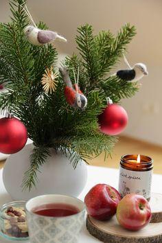 Handgefertigte Kerzen aus Biobienenwachs. Hergestellt in Österreich. Ein natürlicher Duft der jedes Zuhause gemütlich macht. Ein schönes Gastgeschenk oder Weihnachtsgeschenk. Handmade candles from organic beeswax. Made in Austria. A natural scent that makes every home cosy. A nice guest gift or Christmas present. #hyggehome #christmas #hyggezuhause #weihnachten #weihnachtsgeschenk Hygge, Thanksgiving, Table Decorations, Red, Home Decor, Handmade Candles, Moonlight, Dekoration, Gifts For Women