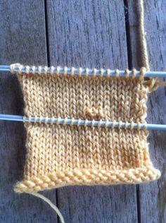 44 ideas crochet how to beginners scarfs Crochet Baby Sweater Pattern, Crochet Wool, Crochet Amigurumi Free Patterns, Crochet Gloves, Crochet Slippers, Irish Crochet, Easy Knitting, Knitting Stitches, Knit Basket