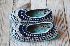 How to make Knit and Crochet Slippers Non-Slip - Ever wondered how to make your slippers safe for hard floors? Try one of these 7 tried and tested ways.