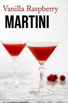 Vanilla Raspberry Martini - this pretty cocktail is so easy to make! Can use fresh or frozen raspberries for this delicious treat! This fun fruity cocktail is bursting with raspberries! With only four ingredients it's so easy to make and so delicious! Christmas Cocktails, Holiday Drinks, Party Drinks, Fun Drinks, Yummy Drinks, Alcoholic Drinks, Beverages, Alcohol Drink Recipes, Martini Recipes