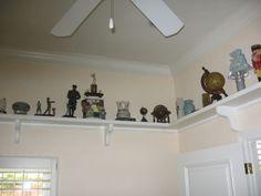 Functional plate rail. Ceiling Shelves, Ceiling Lights, Plate Shelves, Track Lighting, Plates, Kitchen, Ideas, Home Decor, Style