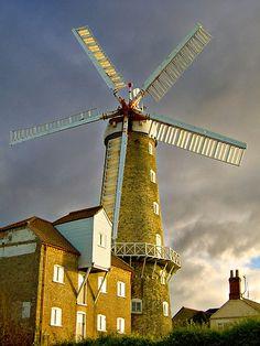 Maud Foster Windmill I (Boston) by Trevor Patterson IPA
