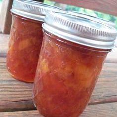 Easy Peach Freezer Jam – Page 2 – 100 yummy Jelly Recipes, Jam Recipes, Canning Recipes, Great Recipes, Canning 101, Easy Canning, Home Canning, Favorite Recipes, Cooker Recipes