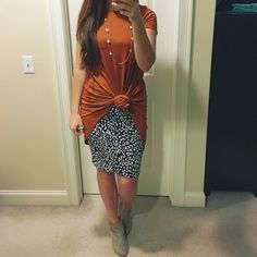 Cool 40 Stylish Lularoe Outfit Style Ideas That Every Woman Needs Right Now Lula Outfits, Elegante Y Chic, Lularoe Carly Dress, Lularoe Cassie, Carly Lularoe Styling, Mode Plus, Cooler Look, Cassie Skirt, Looks Cool