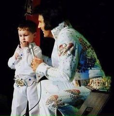 Sometimes MISTAKENLY pinned as Elvis Presley. This is NOT Elvis but Elvis Tribute Artist Chris Connor from the UK.