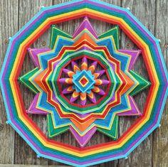 Rainbow Flag 18 inch 12-sided yarn mandala by por JaysMandalas