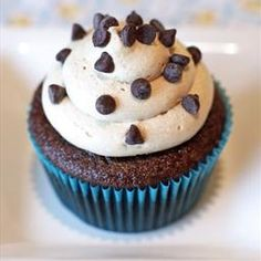 gluten free vegan mocha cupcakes With my mix, add honey, more coconut milk, and flax egg Gluten Free Cupcakes, Vegan Cupcakes, Gluten Free Sweets, Vegan Cake, Gluten Free Baking, Vegan Baking, Vegan Desserts, Vegan Recipes, Vegan Sweets