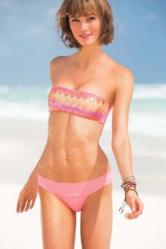 Mannequin Victoria's Secret en maillot, Sexy girl and beautiful models #SexyGirl #HotGirl #SexyModels