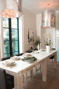 Lynda Reeves' Elegant Eat-In Kitchen - marble table with drawers