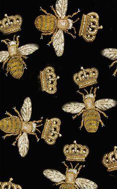 Silk Queen Bee Stiching                                                                                                                                                                                 More