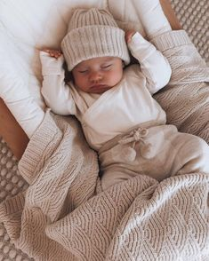 Cute Baby Boy Outfits, Cute Baby Girl, Cute Babies, Baby Boy Outfits Newborn, Cute Baby Pictures, Baby Kids Clothes, Baby Boy Fashion, Baby Time, Baby Fever