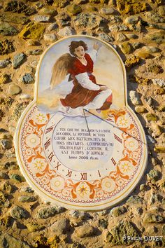 Upaix dans les Hautes Alpes 05 - Chapelle des Pénitents St-Sébastien - Création du cadran solaire par Rémi Potey en 2000 Statues, Solar Time, City Quotes, Rome City, Les Religions, What Time Is, Colouring Pics, Beautiful Streets, Sundial
