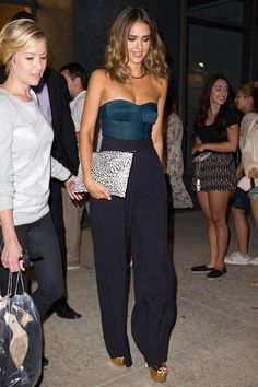 Who wore it: Jessica Alba for her appearance on Watch What Happens Live. What she wore: A Chris Gelinas strapless bodysuit, Max Mara wide-leg pants, a Saint Laurent leopard print clutch and gold platform heels.