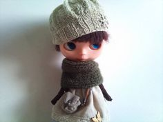 Reversible olive green cape/cowl for Blythe by RainbowDaisies