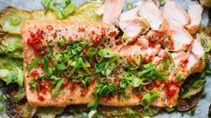 Laks og skivede poteter Salmon Burgers, Avocado Toast, Food Inspiration, Breakfast, Ethnic Recipes, Breakfast Cafe, Salmon Patties
