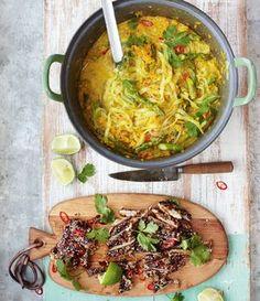 Jamies Rezept für eine asiatische Thai-Hähnchen-Laksa; eine göttliche Suppe f...