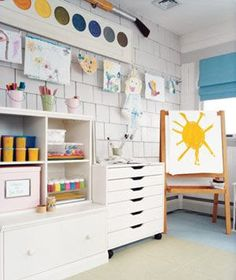 playroom idea--hang kids drawings on clothes line
