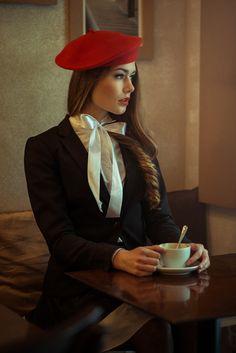 Necesitamos 5 ''Berets''rojos (Sombreros franceses)