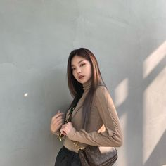 Find images and videos about kpop, JYP and itzy on We Heart It - the app to get lost in what you love. South Korean Girls, Korean Girl Groups, Rapper, Aesthetic Girl, Brown Aesthetic, Korean Beauty, New Girl, Uzzlang Girl, Kpop Girls