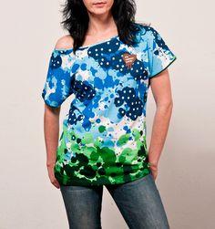 "I´m Choco-late (T-Shirt Carol Moon ""Three"") Latest T Shirt, Floral Tops, Moon, Shirts, Collection, Fashion, The Moon, Moda, Top Flowers"