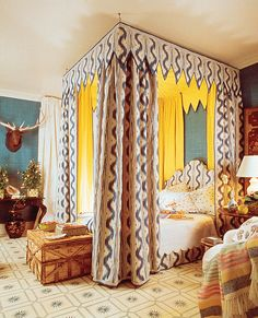 """Super famous bedroom by Mario Buatta that now graces the cover of his retrospective book. Who can't love the Pierre Frey """"Toiles de Nantes"""" full canopy lined in canary yellow silk? Home Bedroom, Bedroom Furniture, Bedroom Decor, Bedroom Eyes, Master Bedroom, Bedroom Photos, Custom Furniture, Pierre Frey, Mario Buatta"""