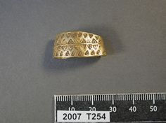 Early medieval Viking gold finger ring, found in the East Midlands of England; County: Nottinghamshire, District: Newark and Sherwood.  Now in the British Museum.