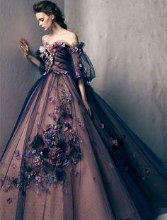 Beaufully designed by the Yumi Katsura Bridal House. Cute Prom Dresses, Elegant Dresses, Pretty Dresses, Vintage Dresses, Moda Lolita, Fantasy Gowns, Fairytale Dress, Looks Chic, Ball Gown Dresses