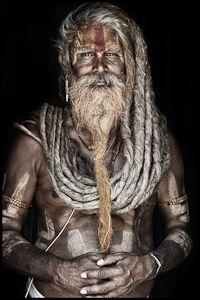 by Mario Gerth. Tiene una serie a la que pertenece la foto sobre hombres sagrados. Fascinante personaje