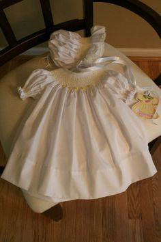 Molly's beautiful yellow bishop and bonnet. Girls Dresses, Flower Girl Dresses, Smocking, Students, Yellow, Wedding Dresses, Beautiful, Fashion, Dresses Of Girls