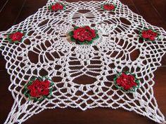 Christmas  Doily  with flowers -Crochet White Red and Green - Christmas decoration- Homemaker gift - Hostess gift - Home decor by ElenisCrochet on Etsy