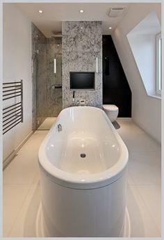 Thats a big bath!