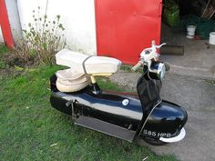 The Piatti - in the words of Bob Currie (author of Great British Motorcycles of the Sixties), 'the worst scooter ever perpetrated.'