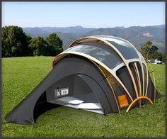 Orange unveils solar concept tent at Glastonbury Design for a nomadic life. Solar Tent for high-tech campers. Futuristic concept tent can harness solar energy to provide electricity to portable gadgets. Camping Gadgets, Camping Gear, Camping Equipment, Camping Snacks, Camping Shelters, Camping Glamping, Camping Checklist, Survival Gadgets, Camping Spots