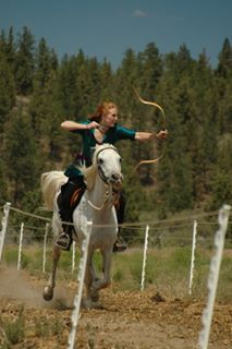 archery while riding. Mounted Archery, Sports Pictures, Country Girls, Oregon, Wolf, Entertainment, Horses, Photography, Beautiful