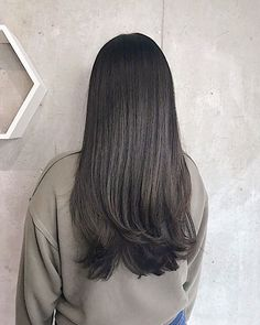 | O B S E S S E D | @cutsbymeg   Living the hair dream   Sometimes simplicity can be the most beautiful thing. . . . . #layeredhaircut #cutandstyle #womenshaircuts #hairjourney #layeredcut #longhairstyles #longhaircut #hairfashions #healthyhairjourney #summerhairstyles #summerhaircolor #hairtrend #behindthechairstylist #maneaddicts #torontohair #torontohairsalon #torontosalon #salonmagazine #salonmodel #modernsalonmagazine #brownbalayage #texturedhair #cityplace #hairartists… Summer Hairstyles, Cool Hairstyles, Long Hair Cuts, Long Hair Styles, Hair Trends 2018, Brown Balayage, Layered Haircuts, Hair Journey, Cut And Style