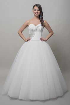 Our bridal wear collection. Long Formal Gowns, Wedding Gowns, Weddings, Bridal, How To Wear, Collection, Fashion, Long Formal Dresses, Homecoming Dresses Straps