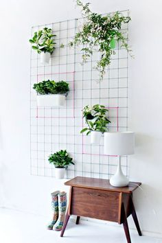 Can't decide on how small or large you want your wall vertical garden?You can make thiswall planter take up as much space as you want! Get the tutorial from Lana Red Studio.